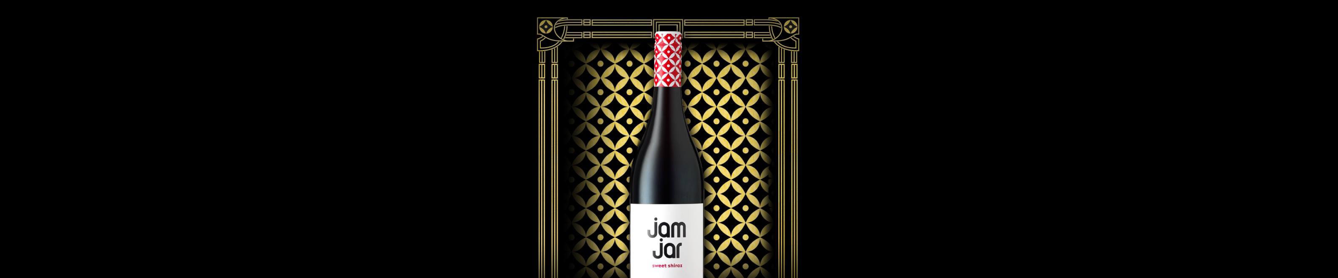 Jam Jar wines are crafted for consumers seeking quality sweet wine – and these fresh, fruity, semi-sweet bottlings deliver. Refreshing and approachable with a perfect balance between sweetness and acidity, Jam Jar Wines are sweet perfection.